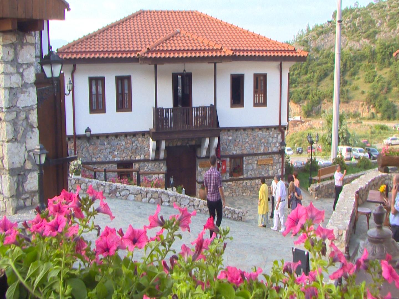 """Отворен комплексот """"Македонско село""""-Македонската традиција и култура на едно место"""