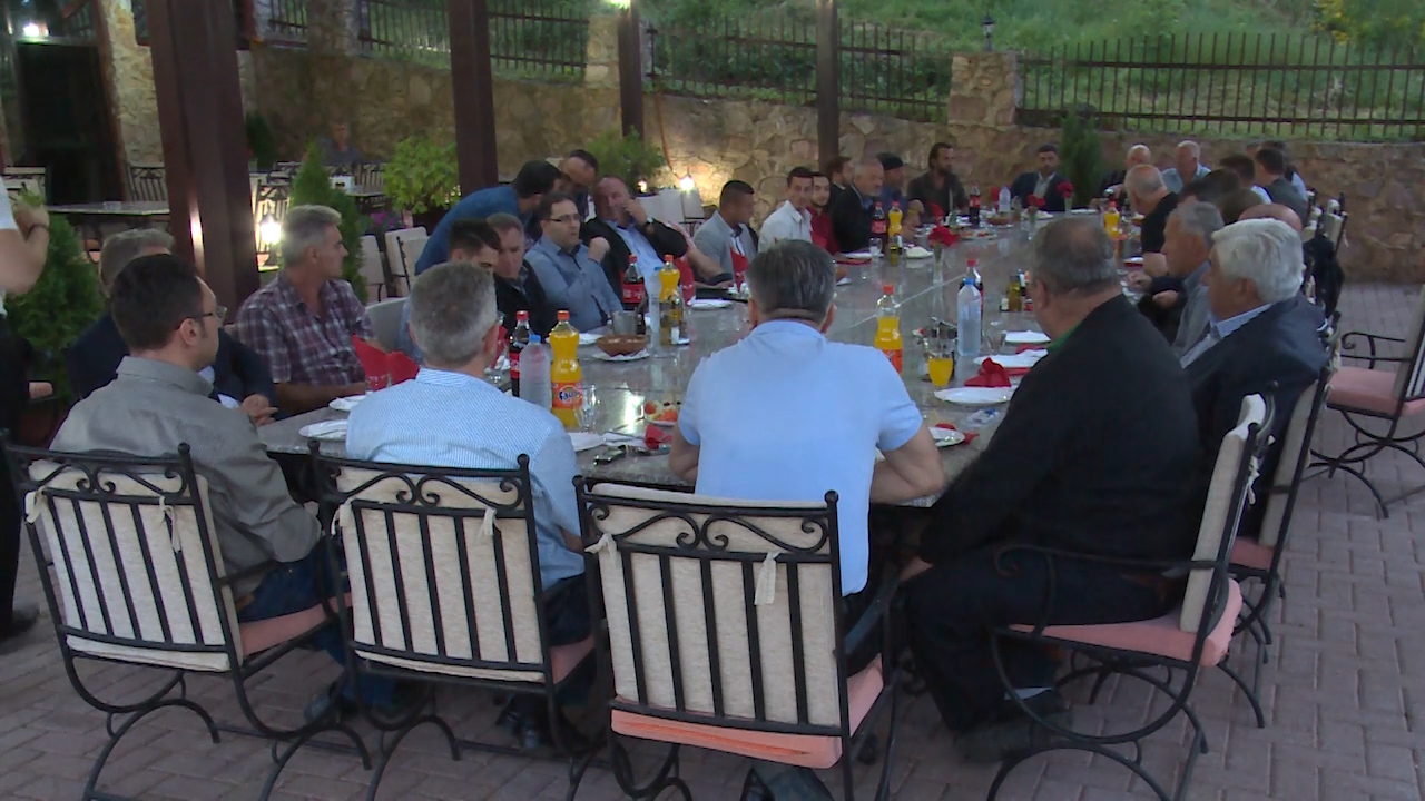 ВМРО-ДПМНЕ обединува луѓе од различни етникуми и верски заедници