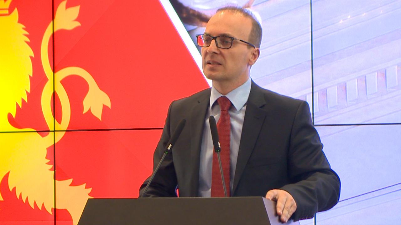 Милошоски: ВМРО-ДПМНЕ посочува патоказ за излез од политичката криза
