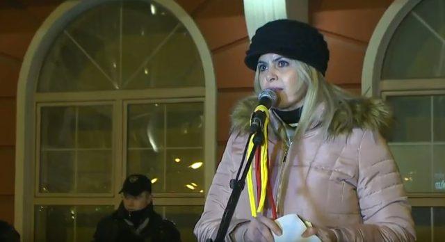 Затуроска: Она што во другите земји претставува патриотизам, во Македонија се смета за тероризам